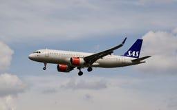 Αεροπλάνο των ΑΕΡΟΓΡΑΜΜΩΝ της SAS στοκ φωτογραφία