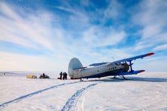 Αεροπλάνο χειμερινό tundra στοκ εικόνες