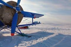 Αεροπλάνο χειμερινό tundra στοκ φωτογραφίες