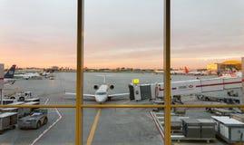 Αεροπλάνα σε έναν αερολιμένα, Benito Juarez στοκ εικόνες με δικαίωμα ελεύθερης χρήσης