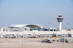 Αεροπλάνα στη θέση χώρων στάθμευσης στο Μόναχο ariport Στοκ φωτογραφίες με δικαίωμα ελεύθερης χρήσης