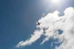 Αεροπλάνο κατά την πτήση στοκ εικόνες