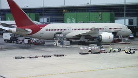 Αεροπλάνο μεταφοράς εμπορευμάτων φόρτωσης χρονικού σφάλματος φιλμ μικρού μήκους
