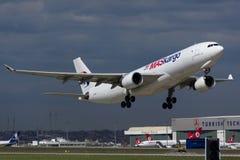 Αεροπλάνο μεταφοράς εμπορευμάτων Στοκ φωτογραφίες με δικαίωμα ελεύθερης χρήσης