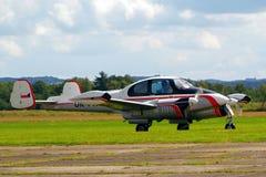 Αεροπλάνο που μπαίνει να προσγειωθεί Στοκ Φωτογραφίες