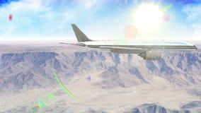 Αεροπλάνο που πετά πέρα από το βουνό στο φως της ημέρας με τη φλόγα φακών απόθεμα βίντεο