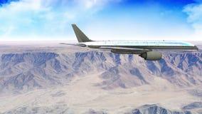 Αεροπλάνο που πετά πέρα από το βουνό στο φως της ημέρας απόθεμα βίντεο