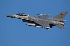 Αεροπλάνο πολεμικό τζετ F-16 Πολεμικής Αεροπορίας του Βελγίου Στοκ φωτογραφία με δικαίωμα ελεύθερης χρήσης