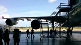 Αεροπλάνο στην κρεμάστρα Στοκ Εικόνα