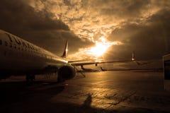 Αεροπλάνο στην ποδιά Στοκ εικόνα με δικαίωμα ελεύθερης χρήσης