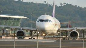 Αεροπλάνο στον ανώτερο υπάλληλο απόθεμα βίντεο