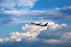 Αεροπλάνο στον ουρανό Στοκ Εικόνες