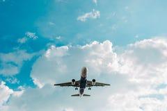 Αεροπλάνο στον ουρανό στοκ φωτογραφίες