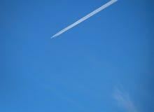 Αεροπλάνο στον ουρανό Στοκ φωτογραφίες με δικαίωμα ελεύθερης χρήσης