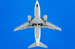 Αεροπλάνο στον ουρανό Στοκ εικόνα με δικαίωμα ελεύθερης χρήσης