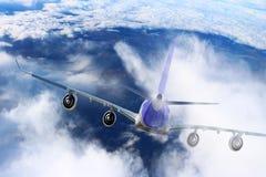Αεροπλάνο στο μαύρο λευκό υποβάθρου αεροπλάνων μεταφορών ταξιδιού πτήσης ουρανού Στοκ Εικόνες