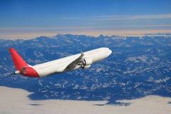 Αεροπλάνο στο υπόβαθρο αεροπλάνων μεταφορών ταξιδιού πτήσης ουρανού Στοκ φωτογραφία με δικαίωμα ελεύθερης χρήσης