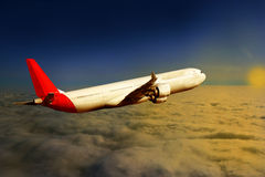 Αεροπλάνο στο υπόβαθρο αεροπλάνων μεταφορών ταξιδιού πτήσης ουρανού Στοκ φωτογραφίες με δικαίωμα ελεύθερης χρήσης
