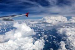 Αεροπλάνο της Austrian Airlines στον ουρανό Στοκ φωτογραφία με δικαίωμα ελεύθερης χρήσης
