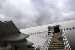 αεροπλάνο τροφής έτοιμο Στοκ εικόνες με δικαίωμα ελεύθερης χρήσης