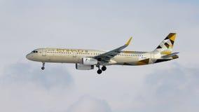 Αεροπλάνο airbus εναέριων διαδρόμων Etihad A321 στοκ φωτογραφίες