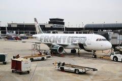 Αεροπλάνο airbus συνοριακών αερογραμμών A320 στην πύλη στο διεθνή αερολιμένα O'$l*Harez στο Σικάγο στοκ εικόνες