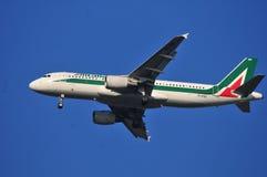 Αεροπλάνο Alitalia Στοκ φωτογραφία με δικαίωμα ελεύθερης χρήσης