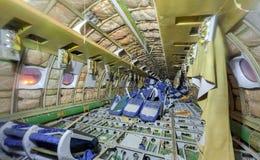 Αεροσκάφη καμπινών επιβατών Σχισμένος από τα καθίσματα επιβατών στοκ εικόνα
