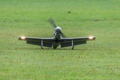 Αεροσκάφη - πρότυπα αεροσκάφη - χαμηλά ακροβατικά φτερών Στοκ Εικόνες