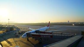 Αερολιμένας της Ιστανμπούλ Ataturk - ΤΟΥΡΚΙΑ στις 31 Μαρτίου 2016 - χρονικό σφάλμα της ανατολής στον αερολιμένα - τελική πύλη απο απόθεμα βίντεο