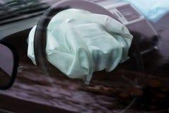 Αερόσακος που εκρήγνυται στο τροχαίο Τροχαίο ατύχημα και αερόσακος που εργάζονται καλά Στοκ εικόνες με δικαίωμα ελεύθερης χρήσης