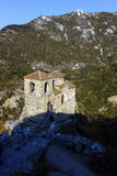 ΑΖΕΝΟΒΓΚΡΑΝΤ, ΒΟΥΛΓΑΡΙΑ - 1 ΟΚΤΩΒΡΊΟΥ 2016: Άποψη φθινοπώρου του φρουρίου Asen ` s, Αζένοβγκραντ, Βουλγαρία Στοκ Φωτογραφία