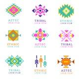 Αζτέκικα ή apache σύνολο λογότυπων ύφους μοτίβου Εγγενείς μεξικάνικες ετικέτες που απομονώνονται στο άσπρο υπόβαθρο Στοκ Εικόνες