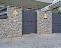 Αθήνα Ελλάδα, σύγχρονη πόρτα σπιτιών Στοκ Φωτογραφία