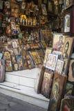 ΑΘΗΝΑΣ - ΕΛΛΑΔΑ - 21.2016 ΣΕΠΤΕΜΒΡΙΟΥ: Κατάστημα Ορθόδοξων Εκκλησιών σε Ath Στοκ Φωτογραφίες