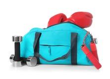 Αθλητική τσάντα και ουσία γυμναστικής Στοκ φωτογραφίες με δικαίωμα ελεύθερης χρήσης
