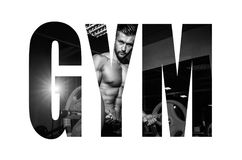 Αθλητικός νεαρός άνδρας που κάνει τις ασκήσεις με το barbell στη γυμναστική Ο όμορφος μυϊκός τύπος bodybuilder επιλύει μονοχρωματ στοκ εικόνα με δικαίωμα ελεύθερης χρήσης