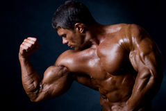 αθλητικό άτομο ισχυρό Στοκ εικόνα με δικαίωμα ελεύθερης χρήσης