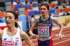 Αθλητισμός - γυναίκα 1500m, TERZIC Amela Στοκ Φωτογραφία