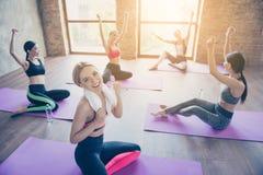 Αθλητισμός, ζωτικότητα, υγεία, απώλεια βάρους, bodycare, ομορφιά, wellness στοκ φωτογραφία