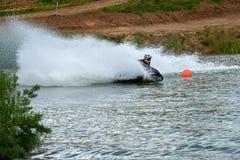 αθλητισμός πισινών καταδύσεων ανταγωνισμών που κολυμπά το ύδωρ Στοκ Εικόνες