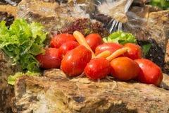 αθλητισμός σιτηρεσίου Λαχανικά και γλυκό νερό Στοκ Φωτογραφίες