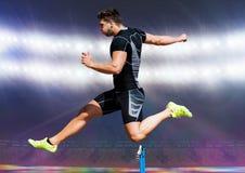 Αθλητής που τρέχει πέρα από το εμπόδιο Στοκ εικόνες με δικαίωμα ελεύθερης χρήσης