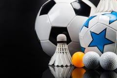 Αθλητικά εξαρτήματα κουπιά, ραβδιά, σφαίρες και περισσότεροι Στοκ εικόνα με δικαίωμα ελεύθερης χρήσης