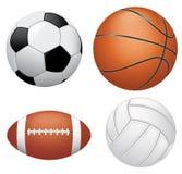 Αθλητικές σφαίρες στην άσπρη ανασκόπηση απεικόνιση αποθεμάτων