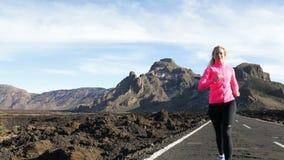 Αθλητική τρέχοντας άσκηση γυναικών δρομέων φιλμ μικρού μήκους