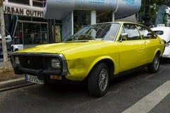 Αθλητικό αυτοκίνητο Renault μέσος-μεγέθους 15 TL, 1974 Στοκ φωτογραφίες με δικαίωμα ελεύθερης χρήσης
