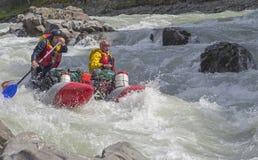 Αθλητικό καταμαράν στα ορμητικά σημεία ποταμού Στοκ φωτογραφία με δικαίωμα ελεύθερης χρήσης