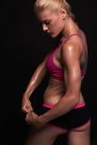 αθλητικό κορίτσι έννοια γυμναστικής μυϊκή γυναίκα ικανότητας, εκπαιδευμένο θηλυκό σώμα Υγιής τρόπος ζωής στοκ εικόνες