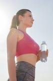 Αθλητικό κορίτσι workout άσκηση Ικανότητα υγεία Λαβή νέων κοριτσιών Στοκ Εικόνες
